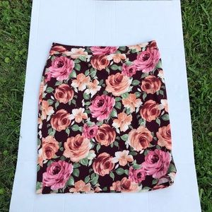 Omega Collection woman's floral skirt ize XXL.